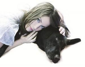 Венди Зомнир со своей собакой