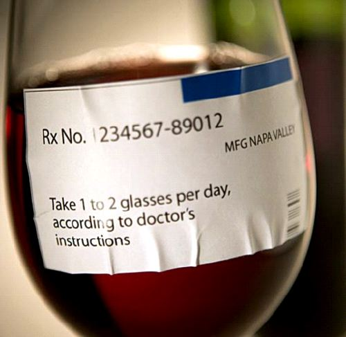 Этикетка на бокале с вином