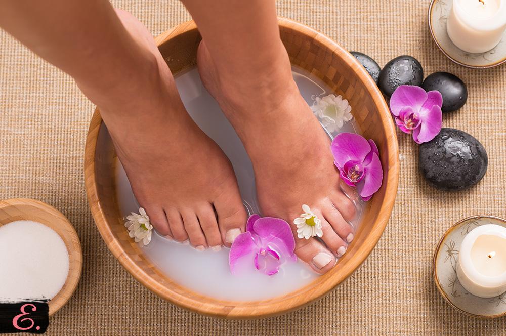 Орхидеи в ванночке для ног